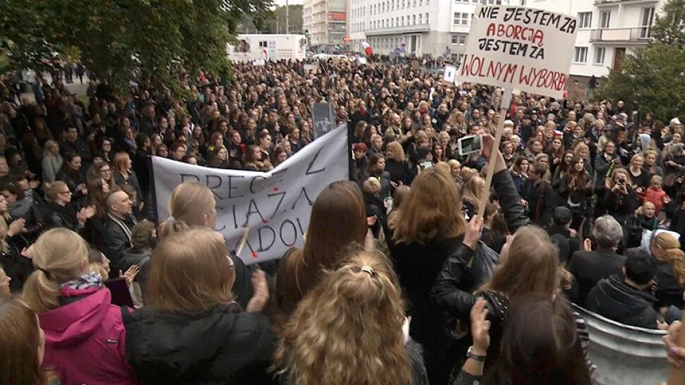 """Dzień Kobiet będzie dniem protestu. """"Zabierają nam naszą wolność"""""""