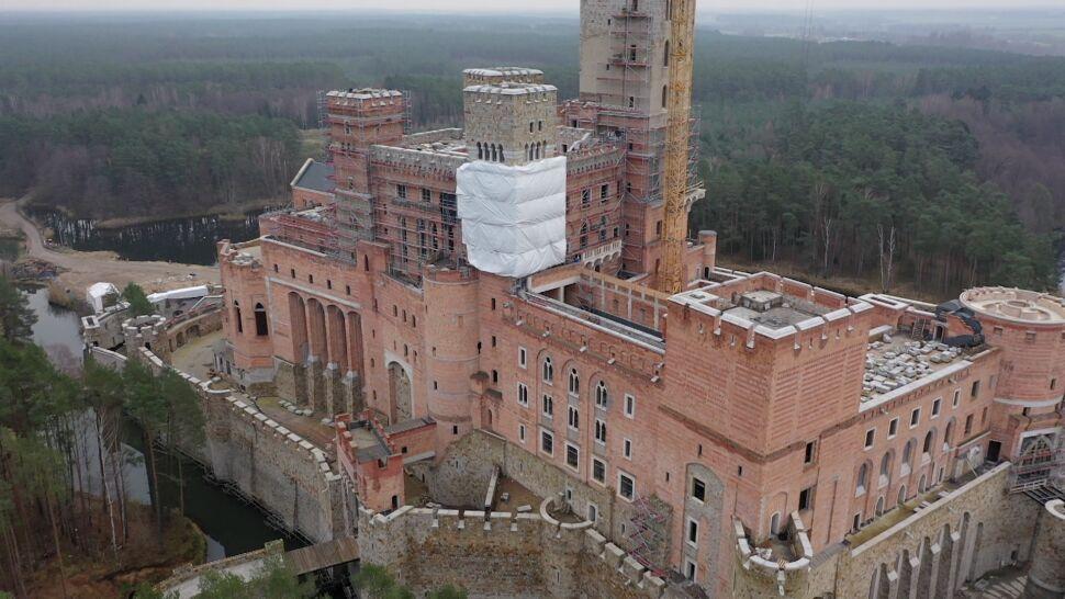 Kontrowersyjny zamek w Stobnicy może być budowany. Wojewoda nie uchylił pozwolenia