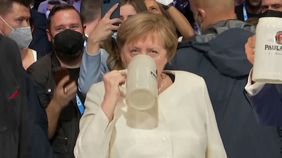Angela Merkel odchodzi na polityczną emeryturę w atmosferze szacunku