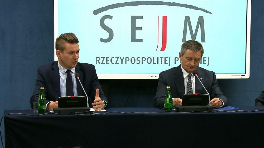 """Kuchciński odszedł, współpracownicy zostali. """"To jest ta definicja BMW: bierni, mierni, ale wierni"""""""