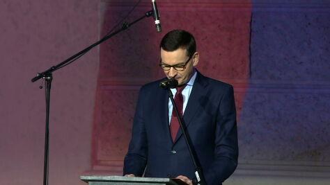 30 lat po aksamitnej rewolucji. Morawiecki w Pradze: Polska pierwszym wyłomem w murze