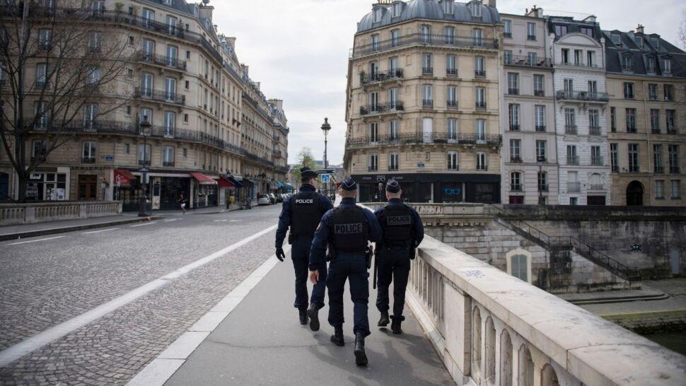 Tydzień temu wybory, teraz puste ulice. Francja zmaga się z SARS-CoV-2
