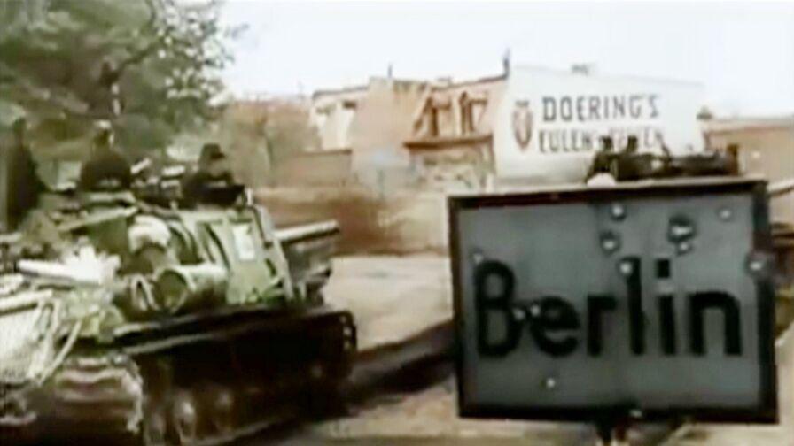 """Polacy, którzy uczestniczyli w Bitwie o Berlin w 1945 roku, wspominają walkę. """"To było płonące miasto"""""""
