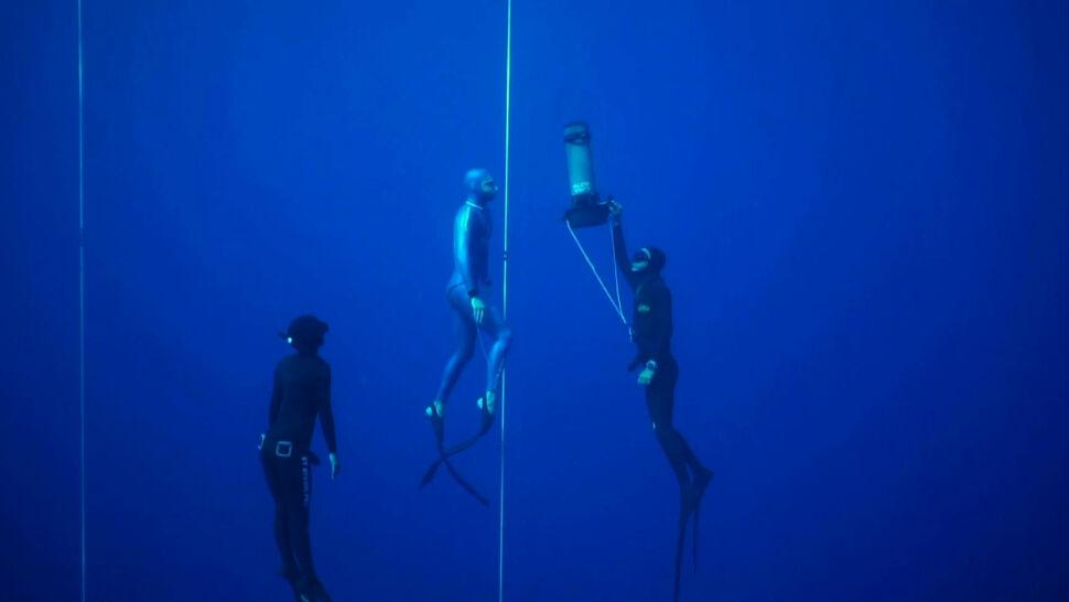 Francuski nurek zszedł na głębokość 112 metrów bez butli tlenowej. To nowy rekord świata