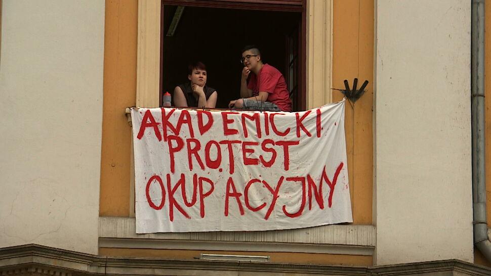 """""""Protest będzie trwał do skutku"""". W piątek głosowanie w sprawie reformy Gowina"""