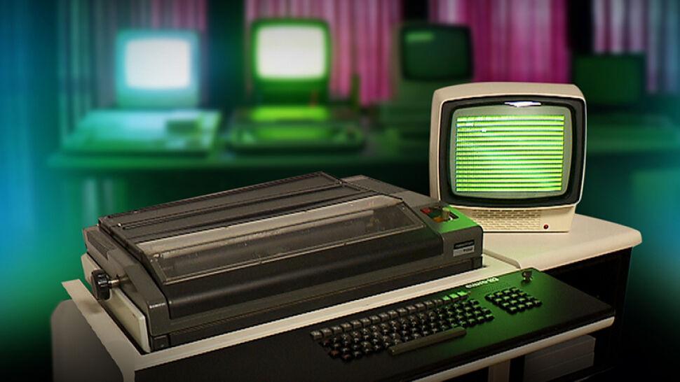 """Pan Marcin kolekcjonuje stare polskie komputery. """"Idea jest taka, żeby zachować to dziedzictwo, które mamy"""""""