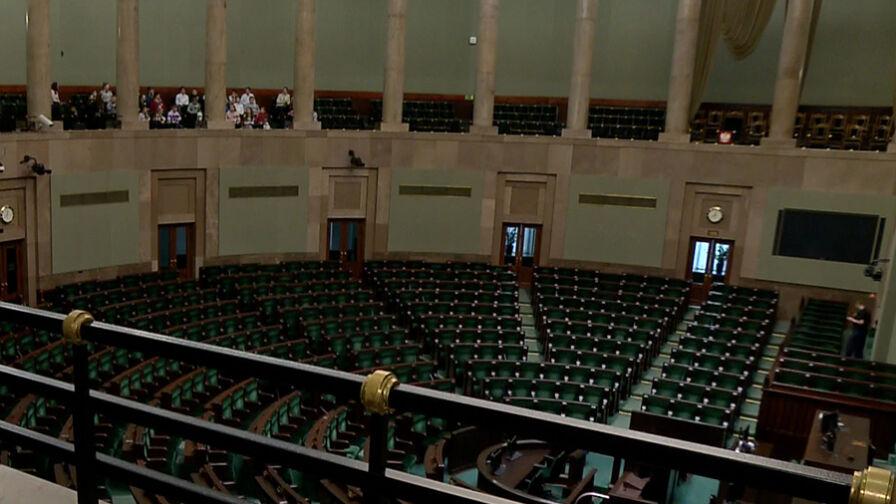 """Kto koło kogo w nowym Sejmie? """"Nawet w takiej drobnej sprawie PiS nie potrafi parlamentarnej tradycji zachować"""""""