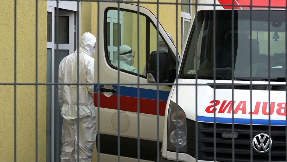 Rośnie liczba przypadków SARS-CoV-2. Osiemnaście osób zakażonych po weselu