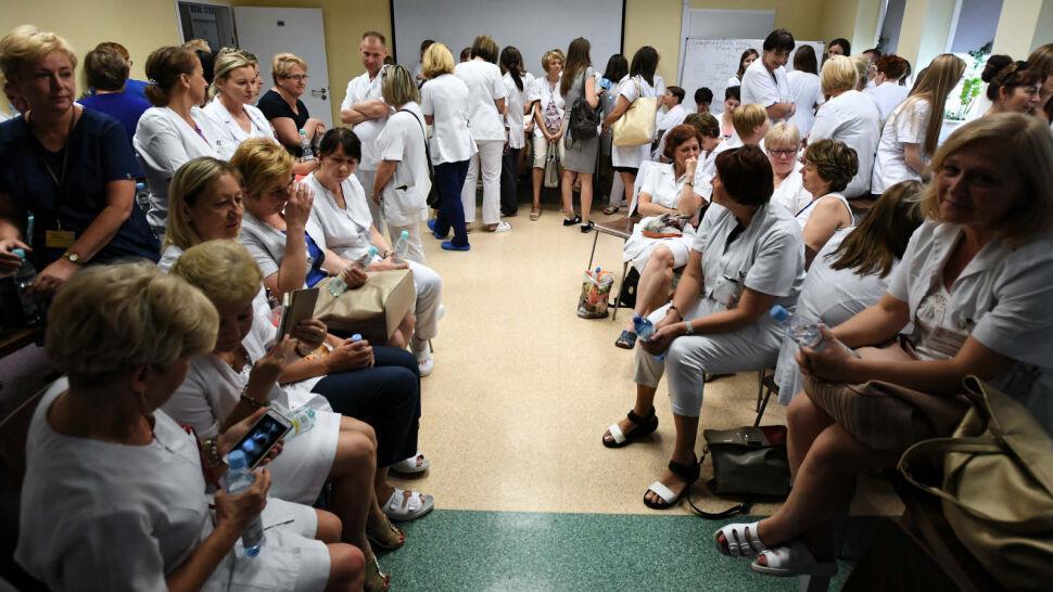 Strajk pielęgniarek. Jest wstępne porozumienie, ale pieniędzy brak