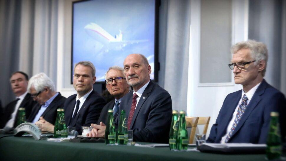 """Co z raportem podkomisji Macierewicza? """"Konieczne jest jeszcze zbadanie kilku kwestii"""""""