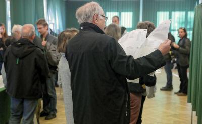 Drobne incydenty i tłumy w lokalach. Polacy wybierają samorządy