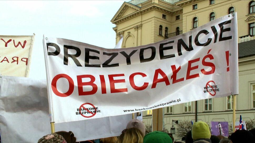 """""""Politycy ulegli lobby bankowemu"""". Frankowicze czekają na wyrok TSUE"""