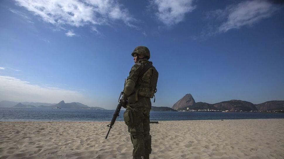 Rio de Janeiro przed igrzyskami jak strefa wojny. Zamieszki, wojsko na ulicach i widmo epidemii