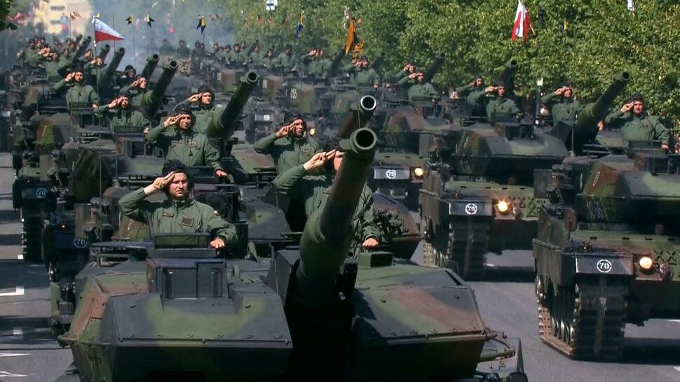 """Wojsko szykuje się do defilady. """"Igrzyska, które paraliżują Warszawę"""""""