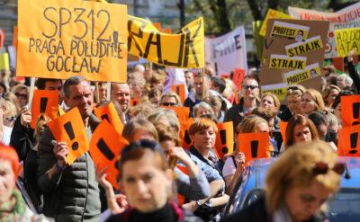 Porozumienia wciąż nie ma. Nauczyciele wyszli ze szkół na ulice
