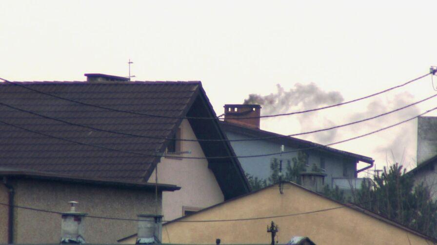 Wolno palić węglem, aby ogrzewać dom. Ale tylko w normie