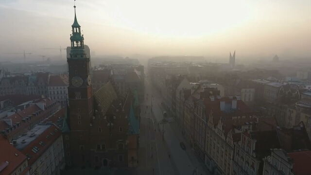 A few scenarios and a radical option. Wrocław's plans for tackling the smog problem