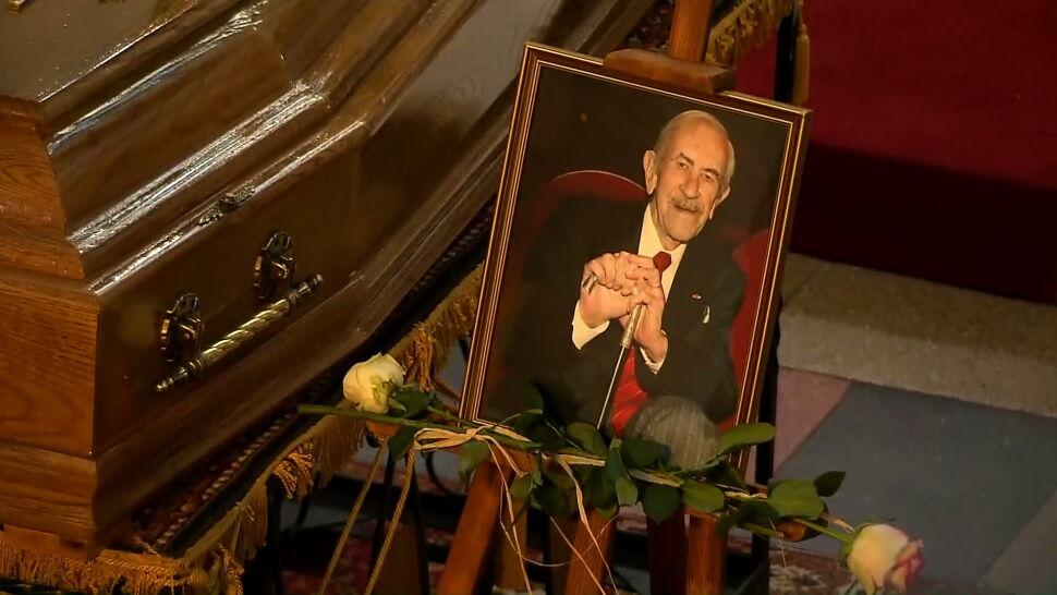 """Ostatnie pożegnanie Jana Kobuszewskiego. """"Ciągle mam w głowie, że to za wcześnie"""""""