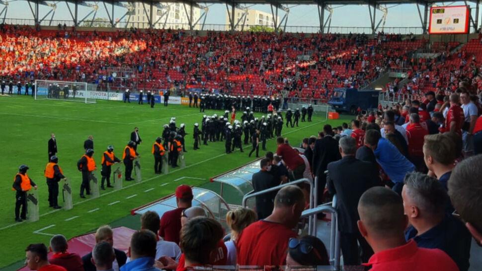 Zamieszki na stadionie Widzewa. Policja wciąż poszukuje części pseudokibiców