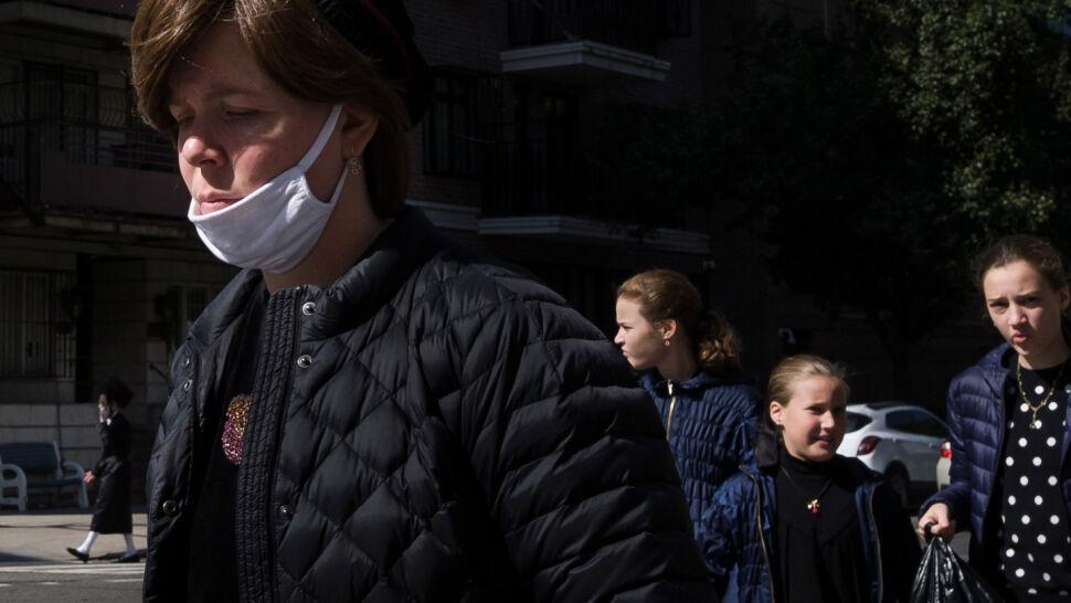 """W USA """"podejście do epidemii stało się kwestią polityczną"""""""