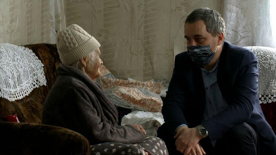 """Hospicja pomagają mimo pandemii. """"Zostajemy takimi zastępczymi członkami rodzin"""""""