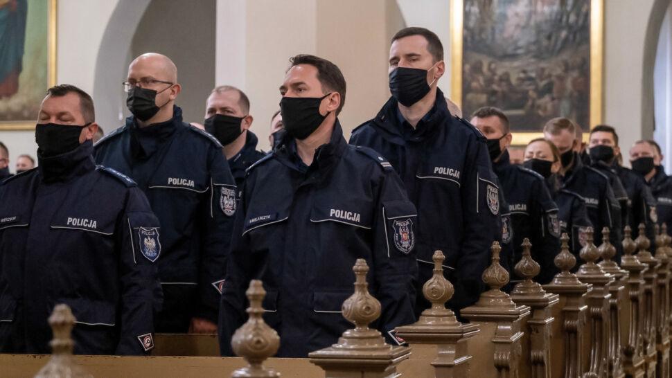 Syreny zawyły w całym kraju. Policjanci uczcili pamięć swojego kolegi, Michała Kędzierskiego