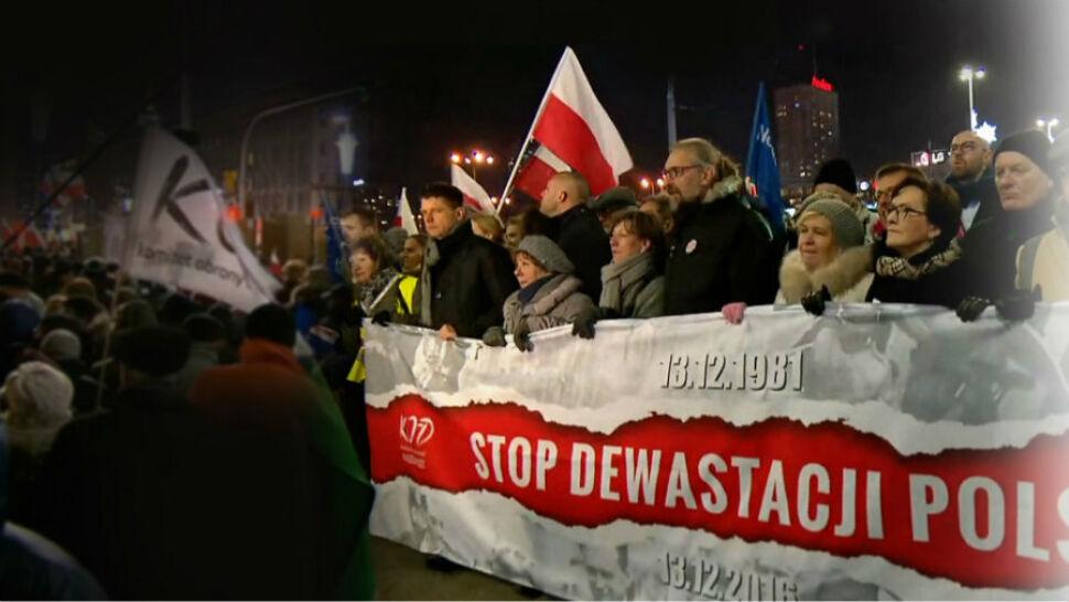 Niewidoczni liderzy opozycji na marszu KOD