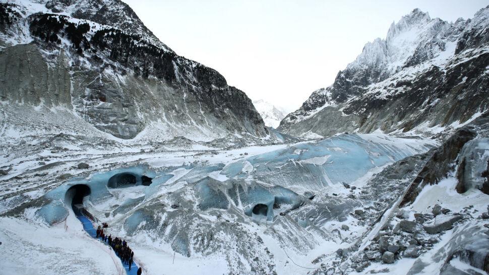 """""""Gołym okiem widać, że lodowiec jest znacznie mniejszy"""". Turyści porównali zdjęcia"""