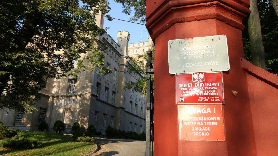 Koronawirus w Polsce to dziś głównie problem szpitali i DPS-ów