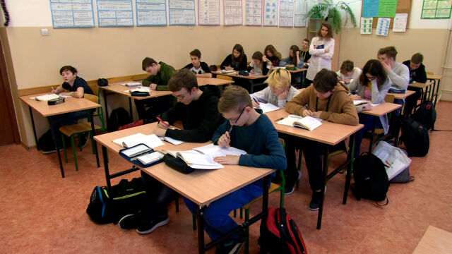 Wiceminister edukacji: podwyżki dla nauczycieli zgodnie z obietnicami