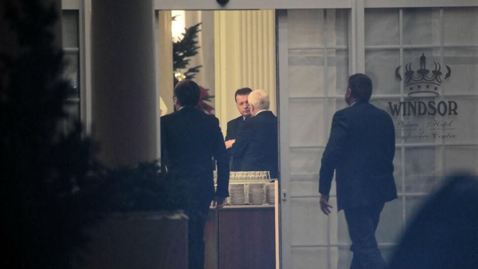 """Posiedzenie PiS w Jachrance. Kaczyński o poprzednikach, kuluary o """"straszaku ojca Rydzyka"""""""