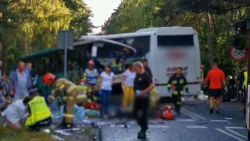 14 osób rannych po zderzeniu dwóch autokarów i busa