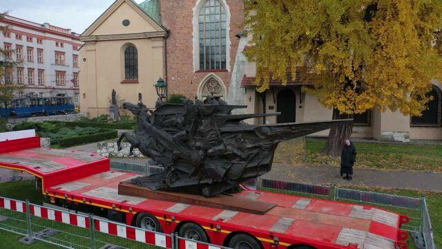 """18.11.2019   Miał stanąć w Wiedniu, ale """"budzi lęk i nie pasuje"""". Pomnik Sobieskiego ruszy w Polskę"""