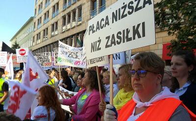 """""""Płaca niższa niż zasiłki"""". Protest pracowników socjalnych"""