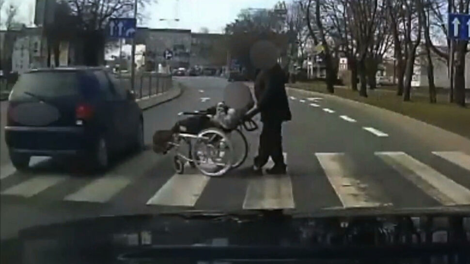 Na samochodach, parkingach, ulicach. Kamery nagrywają drogowe wykroczenia