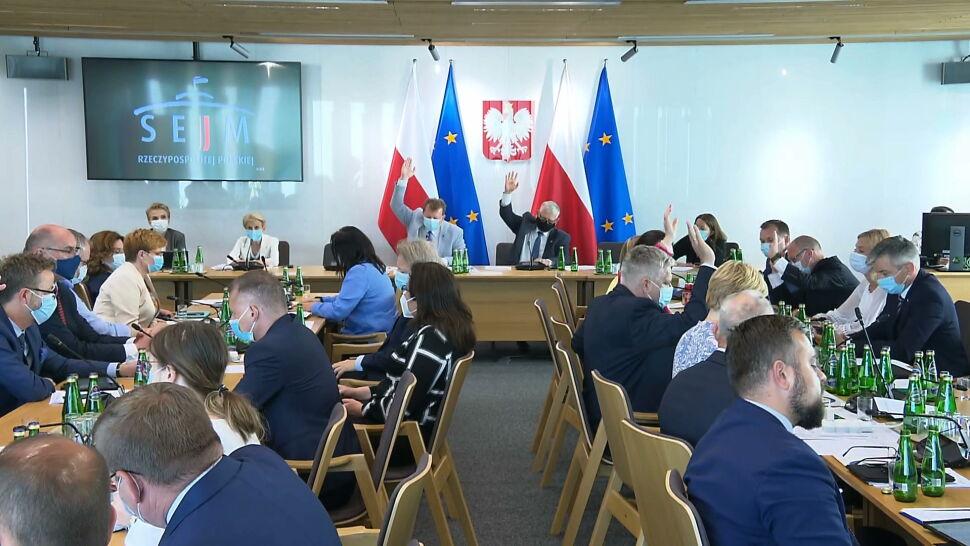 Komisja poparła projekt ustawy anty-TVN. Porozumienie nie poddaje się ze swoją poprawką