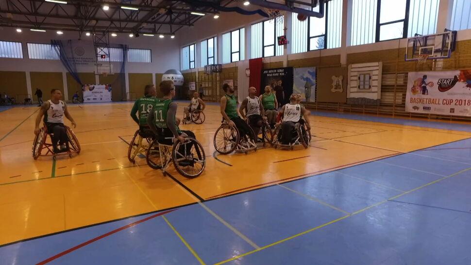 Niepełnosprawni nie poddadzą się bez walki. Koszykarze na wózkach w Białymstoku
