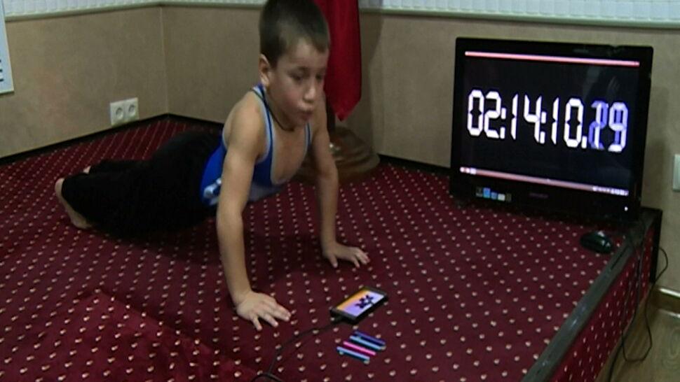5-latek z Czeczenii bije rekordy w siłowni. Kadyrow dał mu mercedesa