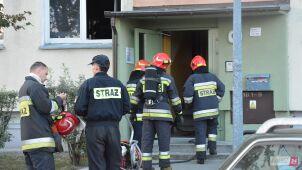 Z mieszkania wydobywał się dym. Strażacy znaleźli ciało kobiety