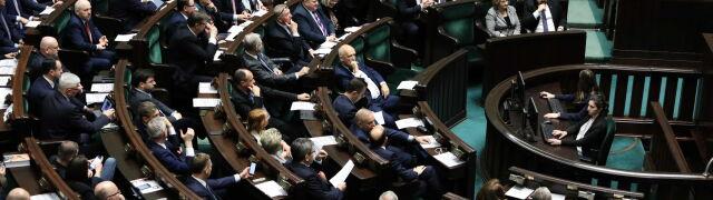 Sejm zdecydował o pilnych zmianach budżetowych