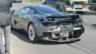 Luksusowe auto rozbite w Warszawie