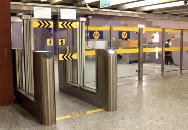 Pasażerowie wybierali metro ZTM