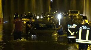 Jedna osoba nie żyje, kilkadziesiąt zostało rannych. Załamanie pogody we Włoszech