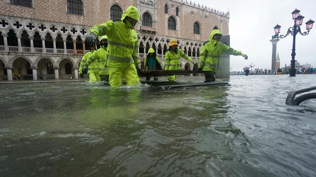 Czerwony alert w Wenecji. Szykują się na 70 procent miasta pod wodą