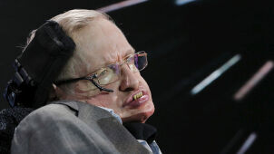 Stephen Hawking ostrzega: musimy szukać nowego domu.