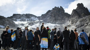 "The Swiss said goodbye to the Pizol glacier. ""to ="" ""like ="" ""friend ="""