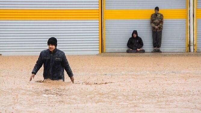 Kolejne zagrożenie powodziowe w Iranie. Ewakuowano ponad 60 tysięcy osób
